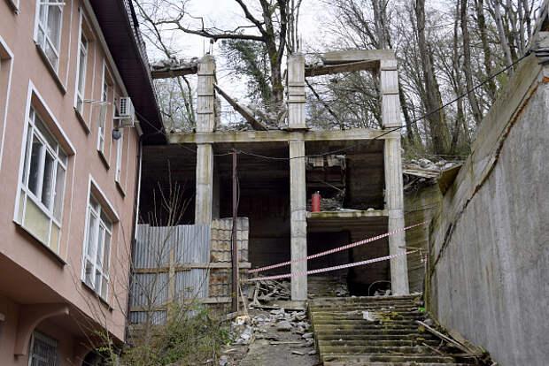 В Сочи выявили 70 зданий с признаками самовольного строительства