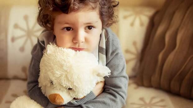 Один дома: в каком возрасте ребёнок готов оставаться без взрослых?