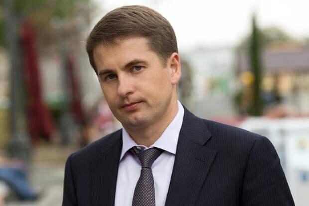 Алексей Немерюк объяснил необходимость ограничения работы кафе и клубов в Москве