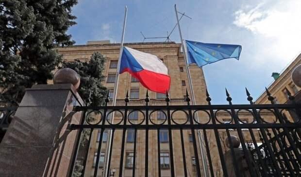Чехия выслала 18 российских дипломатов иобъявила врозыск Петрова иБоширова