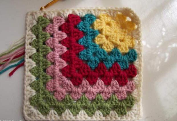 http://knitly.com/wp-content/uploads/2012/08/tayra-2012-08-01_114634.jpg