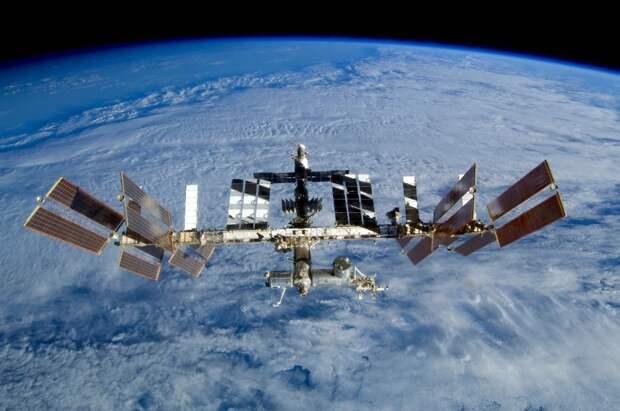 «Мы не можем подвергать угрозе жизни»: Борисов предупредил о риске катастрофы на МКС