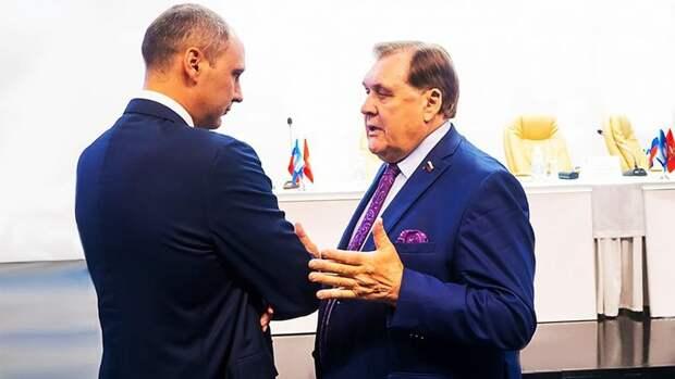 Экс-мэр Оренбурга Юрий Мищеряков обсудил решение вопроса «Атриума» сДенисом Паслером