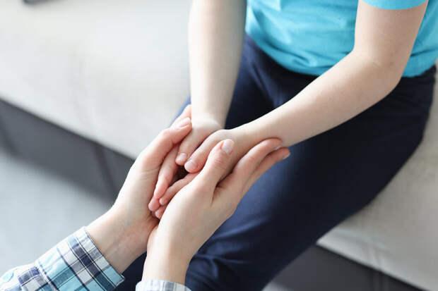 Как не срываться на ребёнка, и когда у него надо просить прощение