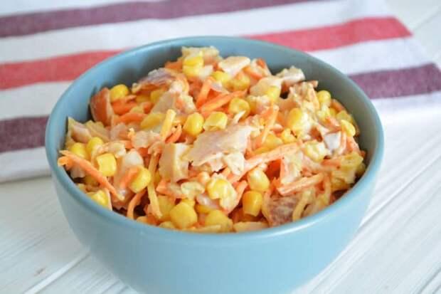 Салат с копчёной курицей и морковью
