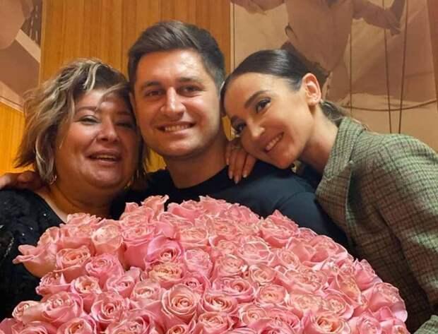 Мама Давы с сыном и Ольгой