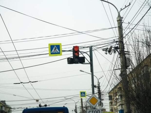 Движение на перекрёстке в центре Читы ограничат на полдня из-за работ «Водоканала»