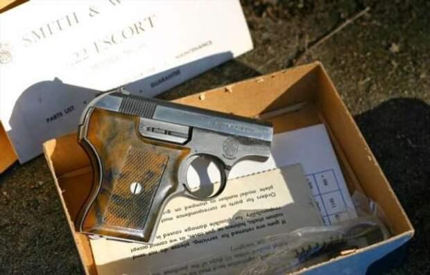Симпатичная «игрушка»: Smith&Wesson Model 61, который помещался в кармане