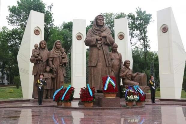Памятник Зульфие Зокировой