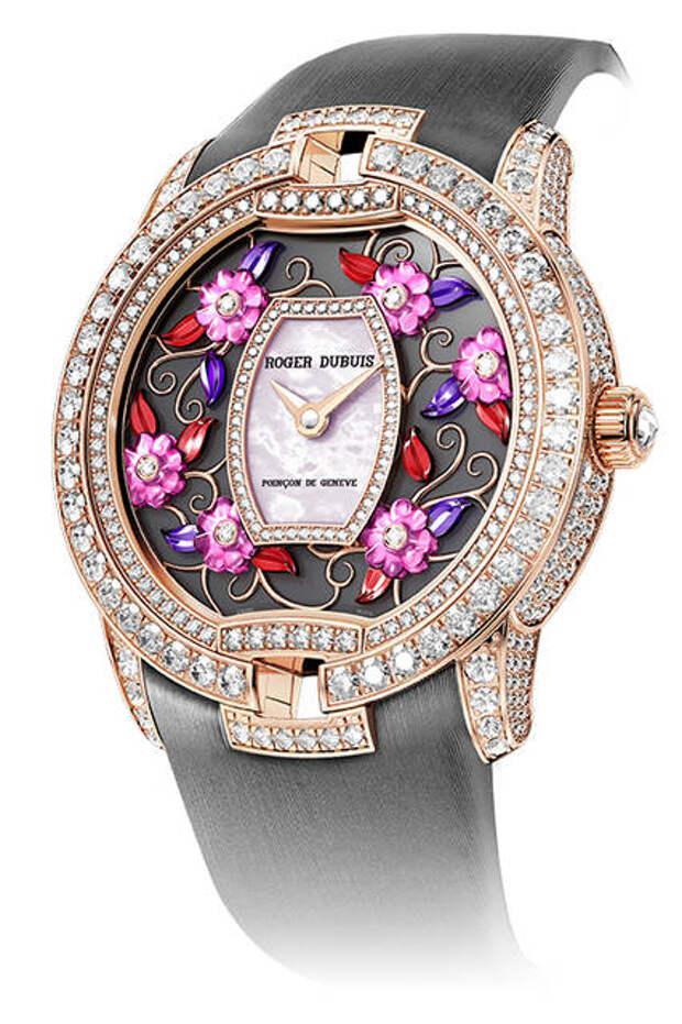часы с ярким циферблатом