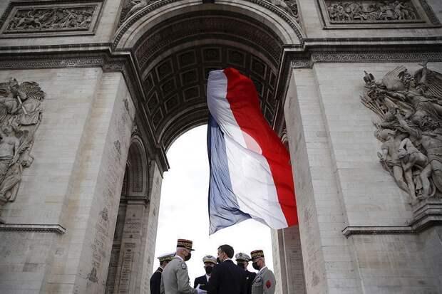 Военные Франции поддержали коллег, предупредивших об угрозе терроризма
