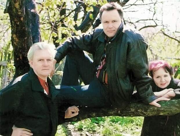 Актер с родителями | Фото: bulvar.com.ua