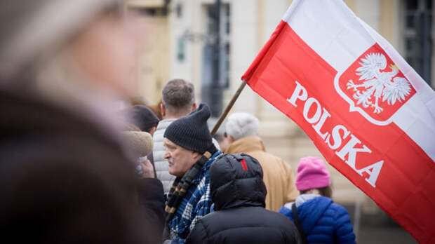 Варшава из кожи вон лезет, чтобы стать врагом Москвы