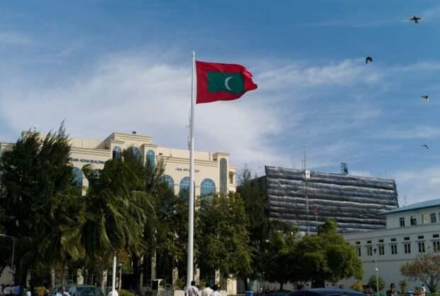 Экс-президент Мальдив пострадал при взрыве в столице страны