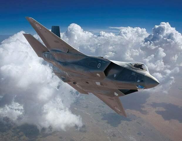 Глава Пентагона нелицеприятно высказался об американском истребителе F-35