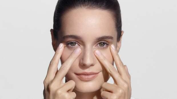 Быстрый способ омоложения кожи вокруг глаз