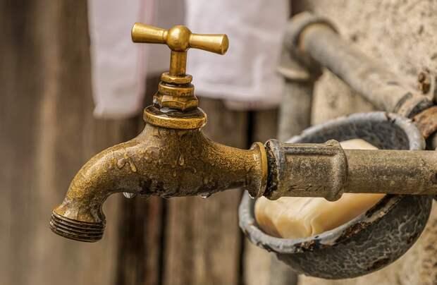 Севастопольцам перекрыли воду в субботу