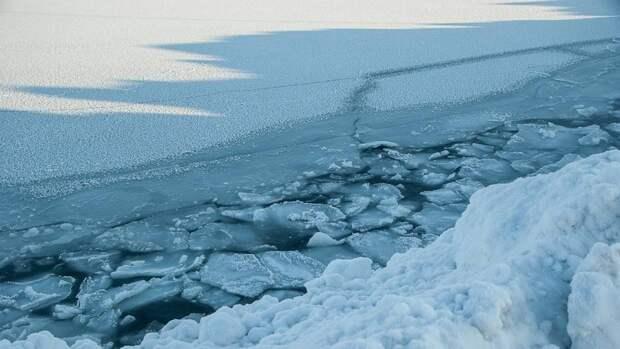 Водолазы МЧС нашли тела провалившихся под лед детей в Хабаровском крае