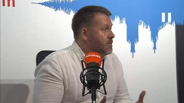 Александр Колос: Власти нужно тщательнее следить за карантином в транспорте, а не закрывать кафе