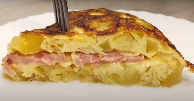 Вкуснятина на сковороде из кабачков с картофелем