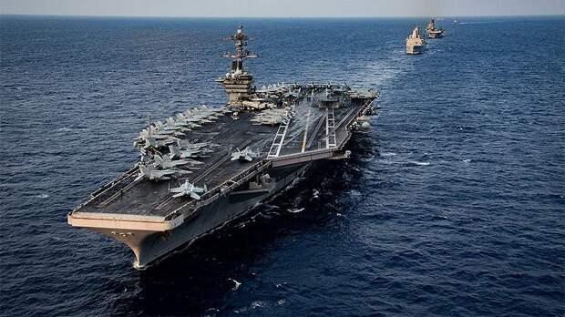 Китайские самолеты сымитировали атаку на авианосец США во время учений