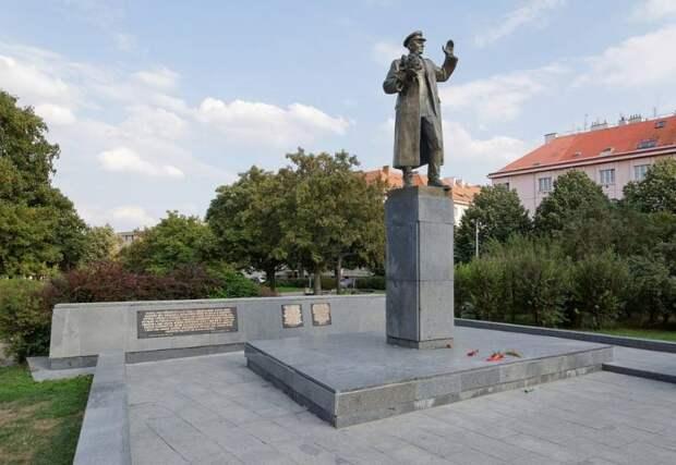 Снос памятника Коневу и флаг Тибета: как мэр Праги поссорился с Россией и КНР