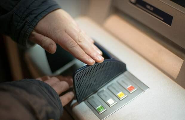 Действуя по указке мошенников, жительница Ижевска отдала 5 млн рублей своих сбережений и набрала кредитов