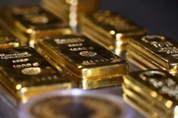 Цены на золото достигли более чем трехмесячного пика за счет снижения доходности госбондов США